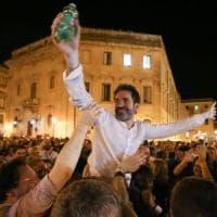 Ballottaggi, nella Puglia di Emiliano il centrosinistra vince. E Fitto perde anche la sua...