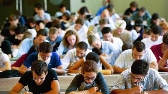 """Università di Bari, per gli studenti fuori corso arriva lo psicologo: """"Training per l'autostima"""""""