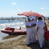 La Puglia del mare violato: un'infrazione ogni 2 chilometri. E le concessioni ai lidi sono un mistero
