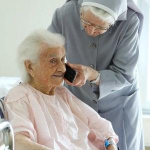"""San Giovanni Rotondo, donna di 114 anni operata al seno: sta bene. """"Sto diventando vecchia"""""""