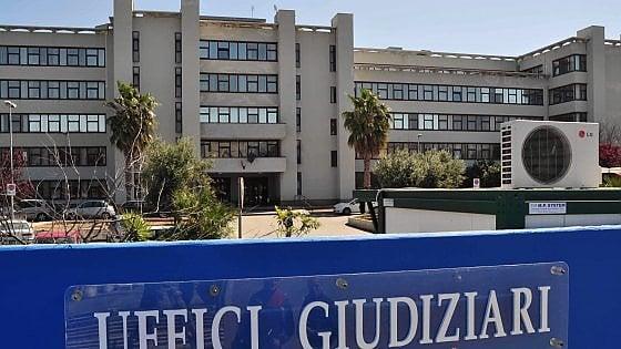 Bari, donna uccisa in una lite per i piatti non lavati: il compagno in carcere nega di averla aggredita