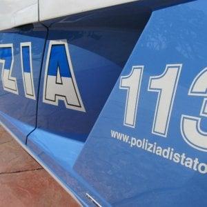 Taranto, picchia la compagna e rischia di farle perdere l'occhio: arrestato 32enne