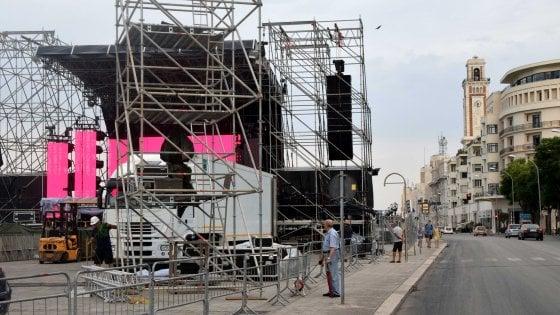 Bari, sul lungomare Battiti con Mannoia, Nek & Co.: stop alle auto e misure antiterrorismo