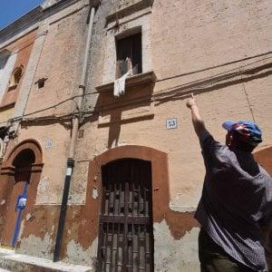 Bari, trovato il cadavere di un uomo di 75 anni: era morto in casa da diversi anni