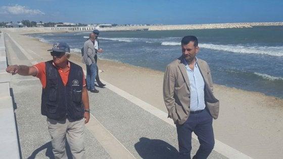 Bari, aperto il primo tratto del waterfront di San Girolamo: accessibili 200 metri di spiaggia