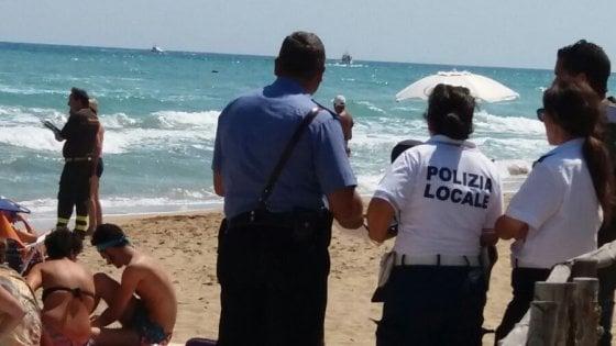 Ostuni tragedia nel mare, onde alte annegano due persone