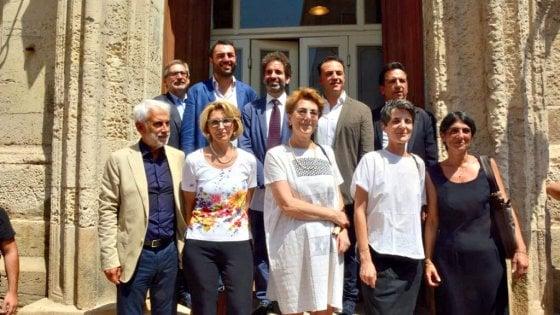 Lecce, il sindaco Salvemini presenta la nuova giunta: quattro donne e cinque uomini