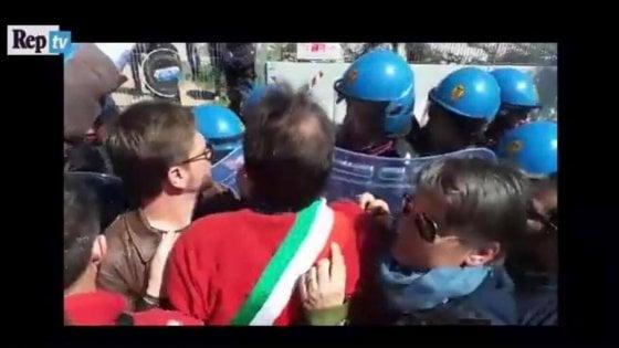 """Sanzioni per i No Tap nel Salento, il consigliere regionale si autodenuncia: """"C'ero, multatemi"""""""