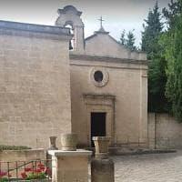 Taranto, il vescovo si schiera contro il progetto per la nuova discarica: