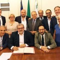 Michele Emiliano, raffica di nomine alla Regione Puglia. Tutti dentro: dall'ex amico di...