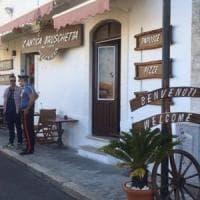 Gargano, 31enne ucciso nella sua pizzeria a Vieste davanti ai turisti. Ferito di striscio...