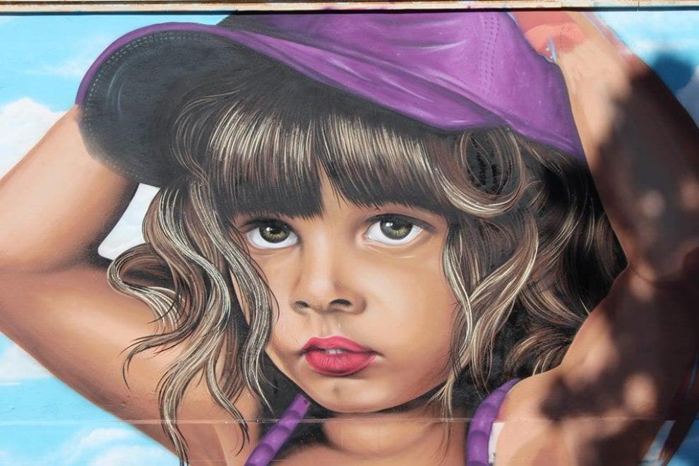 Bari, il murale antirazzista rinasce per la terza volta