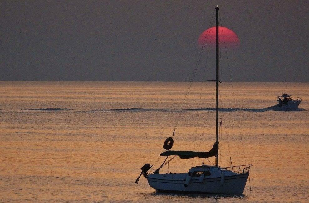 Salento, l'alba di San Lorenzo sulla spiaggia da sogno