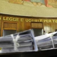 Bari, liquori sul mercato nero: due ex doganieri condannati a risarcire