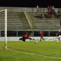 Monopoli, scontri fra tifosi dopo la partita di calcio con l'Andria: arrestati