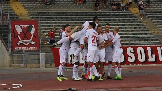 Calcio, il primo Bari di Grosso in campionato brilla come in Coppa Italia: 3-0 al Cesena