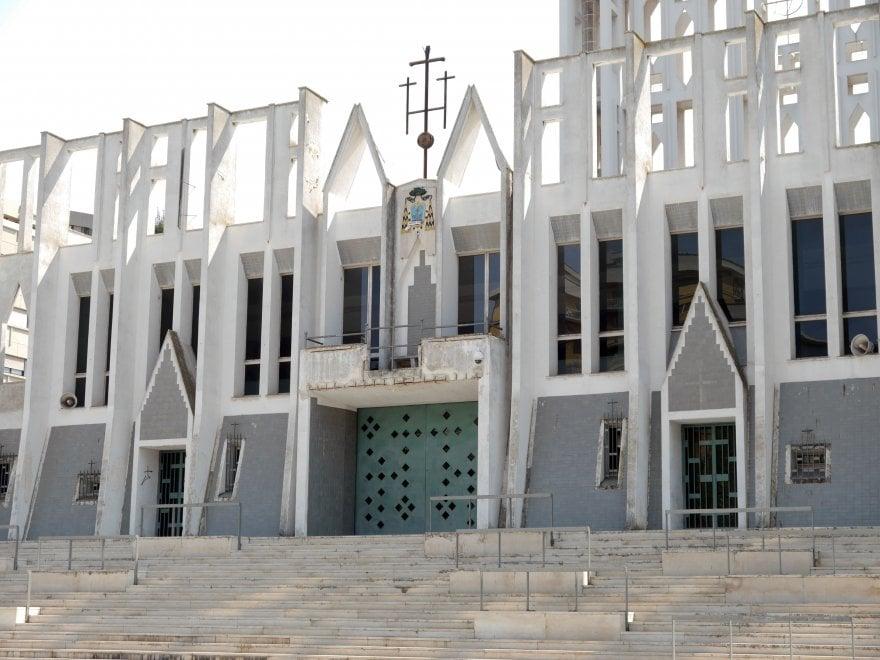 Taranto, il degrado della Concattedrale di Gio Ponti