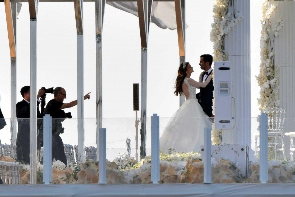 Renee ed Eliot sposi: il 'sì' sul mare a Monopoli
