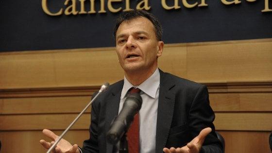 """Banche, il caso Popolare Bari in parlamento. Fassina (Si): """"La famiglia Jacobini si faccia da parte"""""""