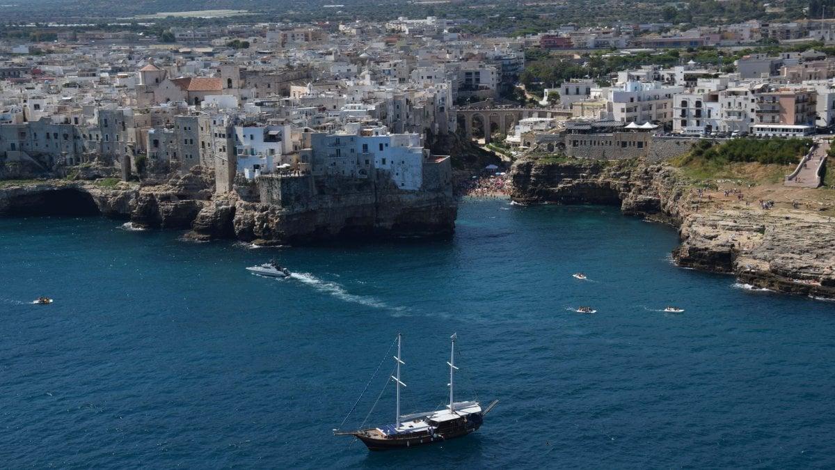 Trivelle in mare nuova denuncia in puglia s da roma alle ricerche fra polignano e brindisi - B b porta di mare ...