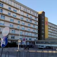 Bari, all'ospedale San Paolo non ci sono più culle: il bimbo appena nato finisce nel passeggino
