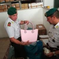 Lecce, marchi contraffatti in un appartamento del centro: sequestrati 80mila