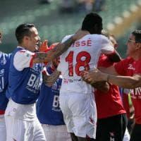 Calcio, la doppietta di Cissé mette le ali al Bari: 3-0 con la Ternana