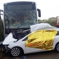 Foggia, autobus di linea si scontra con un'auto: muore un 39enne, dieci passeggeri feriti
