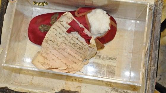 Foggia, recuperati reperti archeologici: ritrovata anche la reliquia di un beato. Due arresti