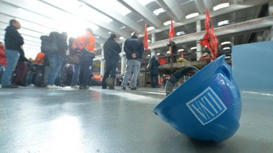 Ilva, a Taranto sindacati in rivolta contro i 4 mila esuberi: proclamate 24 ore di sciopero