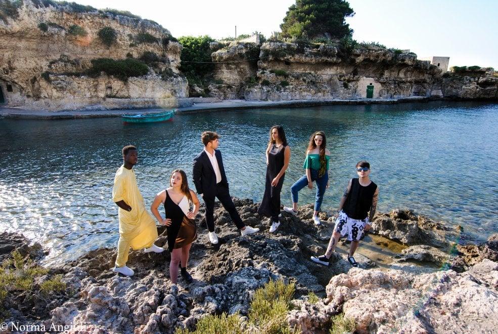 Popoli e mode negli scatti di Alliance Francaise a Bari