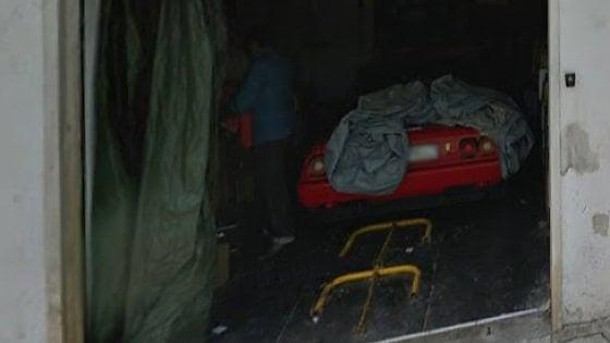 Alberobello, cibi scaduti nel garage con la sua Ferrari: 6mila 600 euro di multa al ristoratore