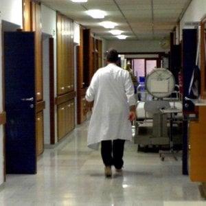 Bari, neonata morì per una lite tra i medici: cinque indagati all'ospedale Di Venere