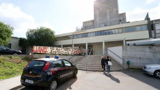 """Sanità, nel Salento presidiati gli ingressi dell'ospedale di Casarano: """"No alla chiusura reparti"""""""