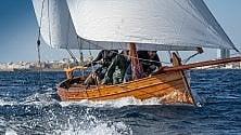 Gallipoli, la regata dei gozzi colora il mare