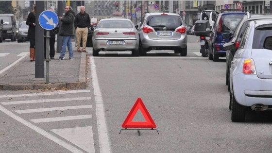 Taranto, 144 indagati per la truffa degli incidenti-fotocopia: ci sono anche 4 avvocati