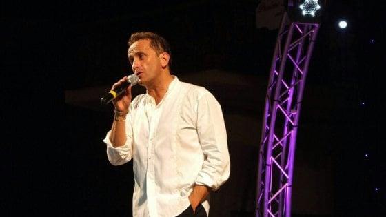Bari, il comico Uccio de Santis indagato per evasione fiscale: cachet in nero per 1,3 milioni