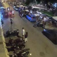 Bari, raid omofobo nella piazza della movida, calci e pugni contro coppia