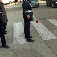 Bari, poliziotto schiaffeggia vigile urbano all'uscita della scuola: arrivano