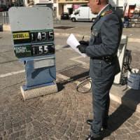 Puglia, distributori di carburante manomessi e benzina alterata: sette denunce