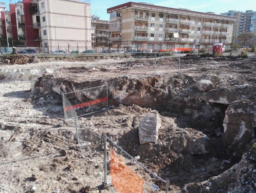 Bari, antico ipogeo emerge in via Fanelli: stop ai lavori