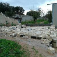 Brindisi, la furia della tromba d'aria: giù muri e ulivi