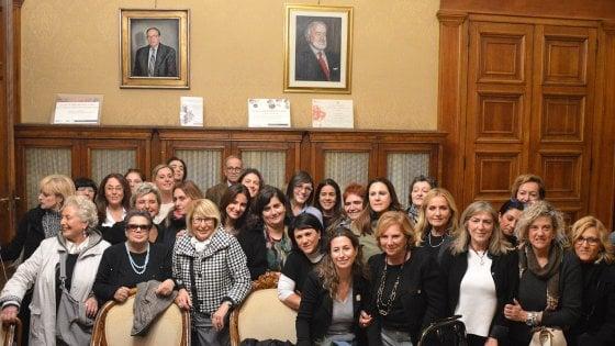 Comune di Bari, perizia calligrafica tra i consiglieri per scoprire l'autore dell'insulto sessista