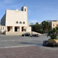 San Ferdinando di Puglia, 4 migranti aggrediti in piazza: sit-in di solidarietà