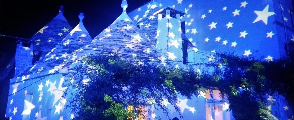 Alberobello, sui trulli si accende il Natale: dal 7 dicembre torna la magia delle 'Christmas lights'