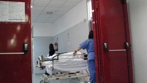 Castellaneta, 64enne morì dopo caduta dal letto in ospedale: dieci indagati tra medici e infermieri