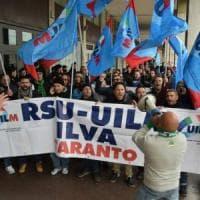 Ilva di Taranto, sit-in degli operai in Regione. Il sindaco: