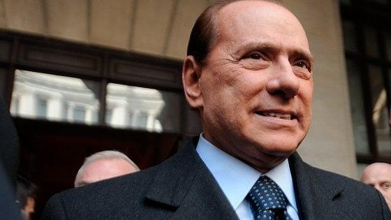 """Processo Escort, l'indagine su Berlusconi trasferita da Bari a Milano: """"Indusse ragazze a mentire"""""""