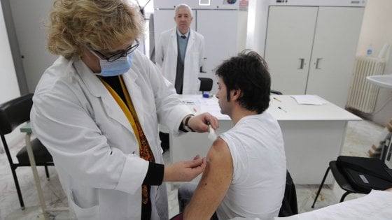 L'influenza arriva in Puglia, 22mila casi e un anziano in Rianimazione: il picco tra Natale e Capodanno""