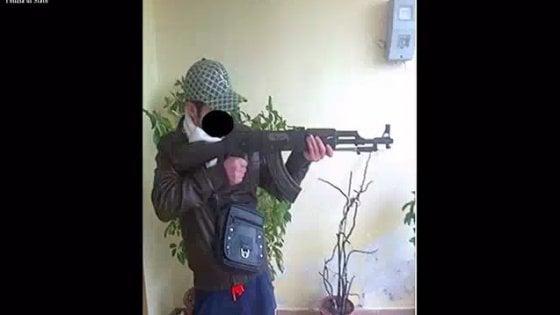 """Terrorismo, due cittadini albanesi espulsi da Foggia: """"Contatti con i foreign fighters dell'Isis"""""""